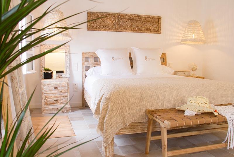 hotel menorca infinito cama planta